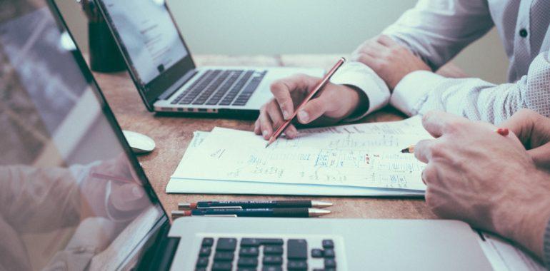 5 najważniejszych etapów w procedurze sprzedaży udziałów w spółce z ograniczona odpowiedzialnością – BEZPŁATNY PORADNIK do pobrania