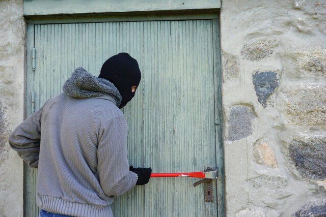 kradzież z włamaniem